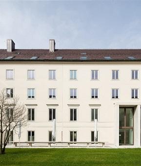 Low-Tech-Architektur für effektive Gebäudeeffizienz